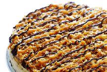 Sweets - cheesecake & pie / by Melanie Rapes