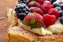 Sweet Tooth - Fruity Pies/Tarts / by Christina Yamasaki