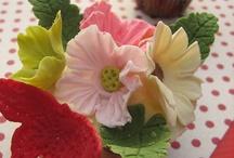 Cake flowers / by Kerry McEvoy