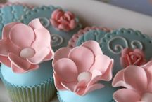 Cupcakes / by Mary Rosica