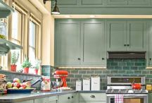 Kitchens / by Acquanetta Knight