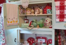 vintage kitchen / by DeeDee Randal