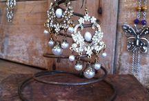 Jewelry Displays / by Em Vy