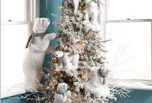 Holidays and decorations and seasonal style / by Denise esposito