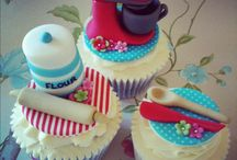 Cupcakes / by Cristina Perry