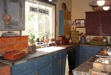 Prim Kitchens/Kitchens / by Sherry Ruark Mihalovich