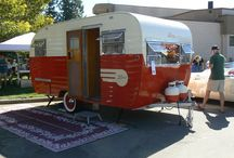 Vintage trailers / by Arrie Huffman