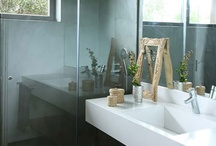 Bathroom / by Flavia Machado