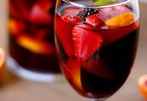 Drinks / by Jovanna Orozco