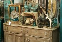 Lovely Shops, Flea Markets and Booths / Styling your spaces / by Janice Wyatt-Pannell