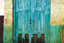 For the <3 of Architecture & Doors... / by Mindy Wyman