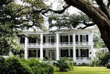 Beautiful homes, buildings and features / by Robin Goodrich