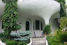 Underground house or awesome homes  / by Kathy Faye