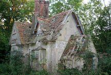 Creepy Cool Houses / by Kelly Stephenson