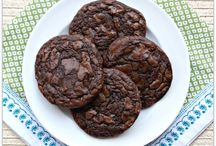 FOOD: Cookies, Brownies & Bars / by Karen Butler