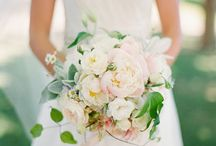 Wedding:  Bouquets & Boutonnieres / by Curating Lovely