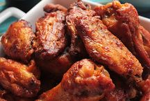 Om Noms: Chicken Wings (Mildly Obsessed) / by Rie