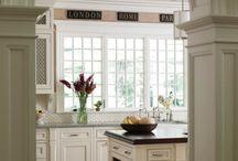 Kitchens / by Karen Keysar