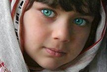 Enfants du monde / Visages enfants  / by Elisabeth Francoual