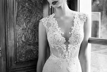 Wedding dresses / by Corina Kitcey