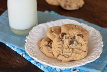 Cookies / To feed my un-dying need to be the best cookie baker ever / by Victoria Gilbert