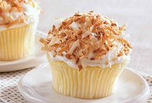 Recipes: Cupcakes / by Margie Leow