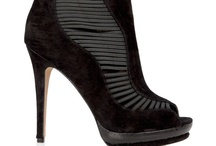 My Style- Shoes / by Rosemarie Deschamps-Fontaine