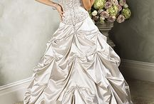 Here Comes The Bride / Who doesn't love a gorgeous wedding gown? / by Kay Demonbren