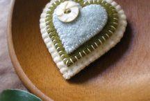 I LOVE hearts / by Thea Rossouw