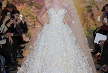 Wedding Gowns / by Diana Reyes