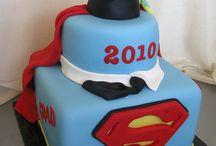 Graduación & school cakes / by elda alvarado
