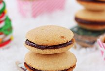 FOOD:  Christmas Cookies / by Rhonda Smith