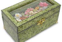 Cajas decoradas / by Mirtha Goñi