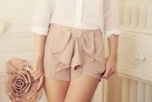 clothes i adore / by Elizabeth Bueno