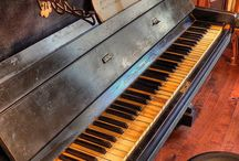 Piano / by Sara Colombo