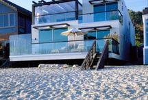 Beach house / by Adriana Leiva