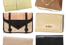 What's in my bag / by GlamouRay