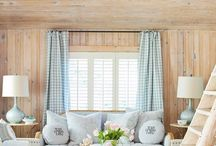 Small House - Living Room / by Michelle Bartholomew