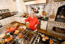 Paula Deen / Being a southern girl, I just love some Paula Deen!!! / by Kim Rice