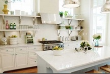 Kitchens / by Becky Brewer