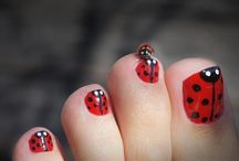 Fingernails and Toenails / by Amanda Sager