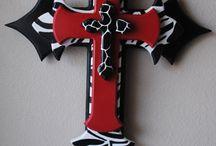 Crosses / Ideas to make crosses / by Vicki Kellmer- McDermand