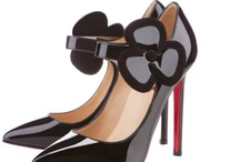 SHOES / by Sonia Mendez