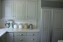 lovely kitchens / by Rebecca Stewart