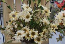 fall fleurs  / fall floral pieces / by Melissa Hale-Lafleur