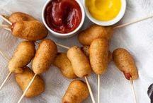 Foodies, yum / by Melanie Chilwell
