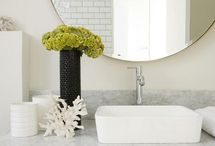 Bathroomzah / by Riza Taylor