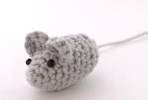 crochet (amigurumi) / figuras de crochet con volumen / by Emily Shimoda