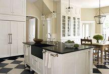Kitchens / by Bonnie Oscarson