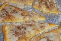Desserts Crescents / by Louise Blackwelder